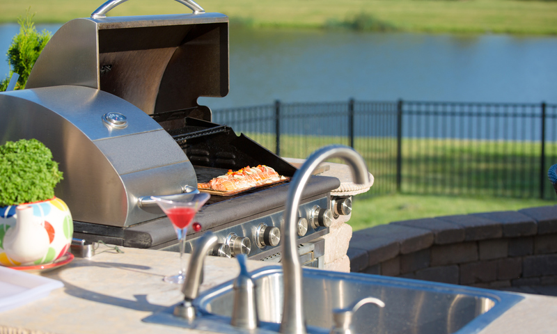 Outdoor Kitchens Take the Heat Out of Summer Food Prep