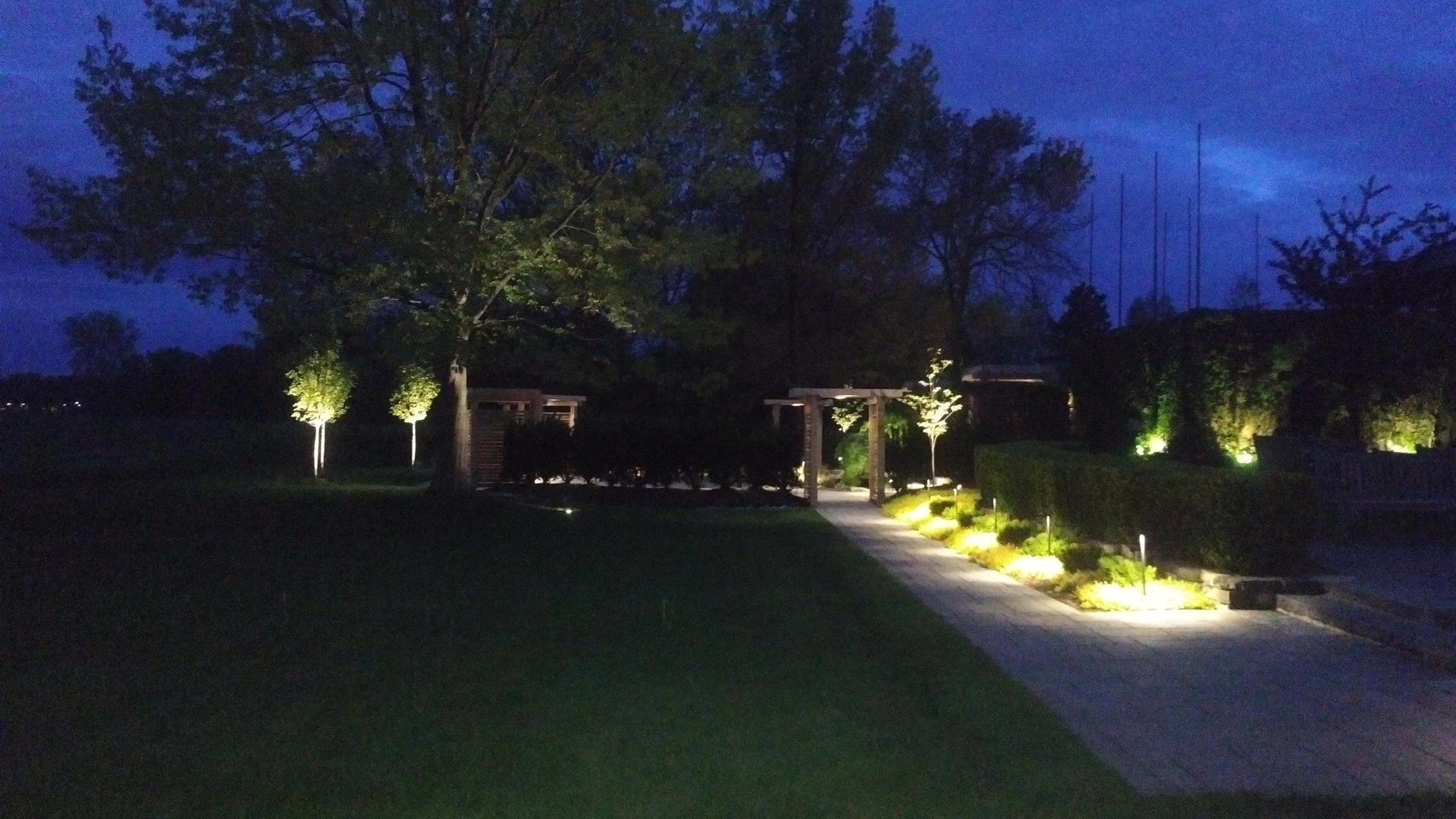 Led Landscape Lighting Main Category Tree Amigos Landscaping Inc Design Build Property Maintenance In St Catharines Ontario